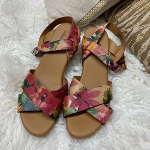 Patricia Nash Gigi Floral Leather Clogs 9.5